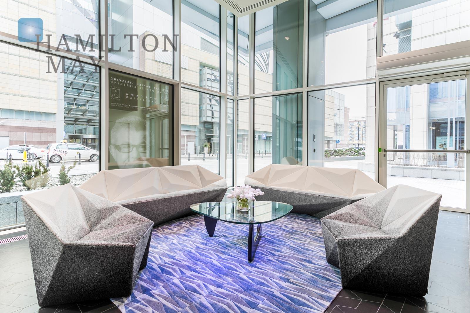 Luksusowo wyposażony apartament z trzema sypialniami w inwestycji Złota 44 Warszawa na sprzedaż