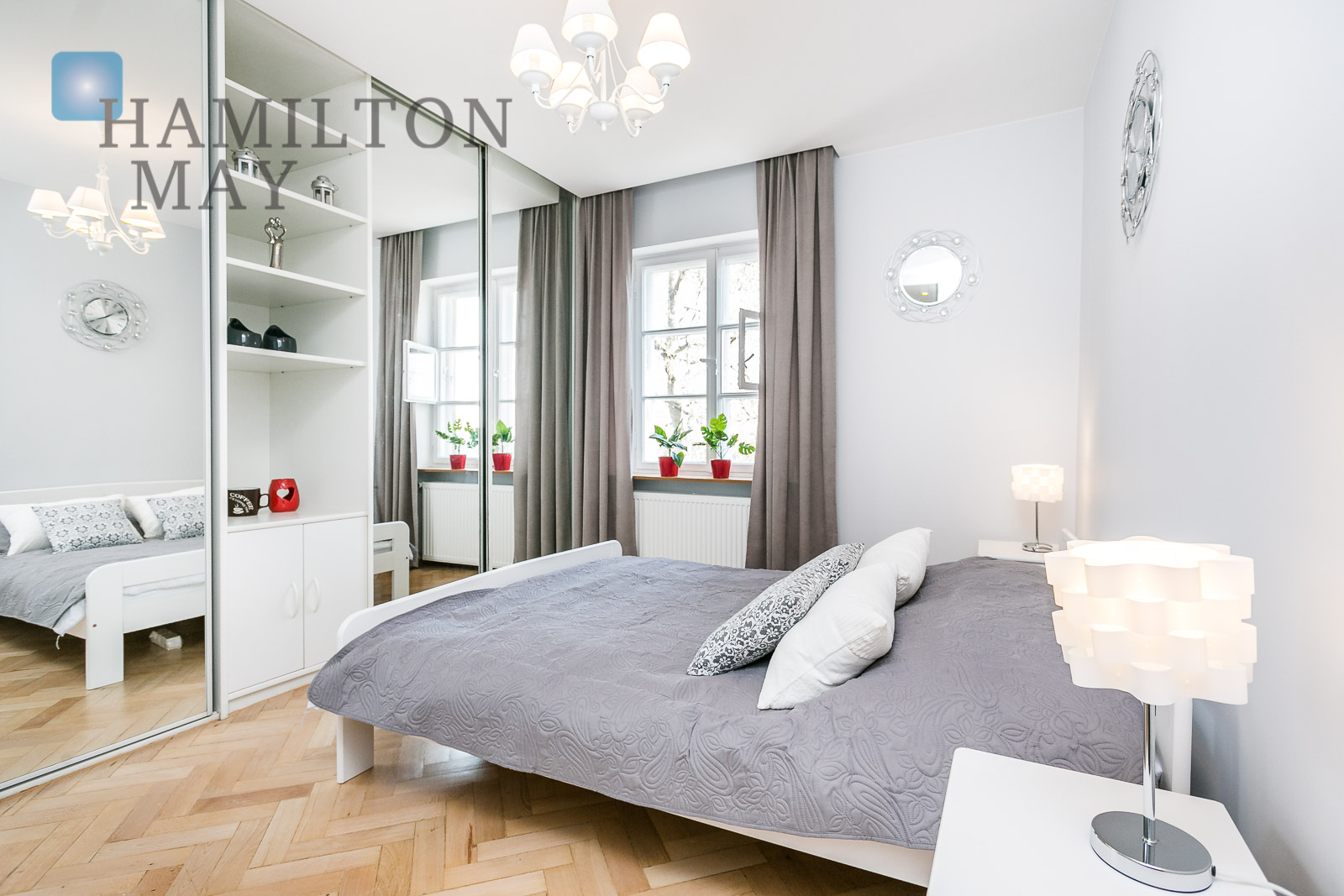 Beautiful and stylish one bedroom apartment in the Old Town area Warsaw for rent