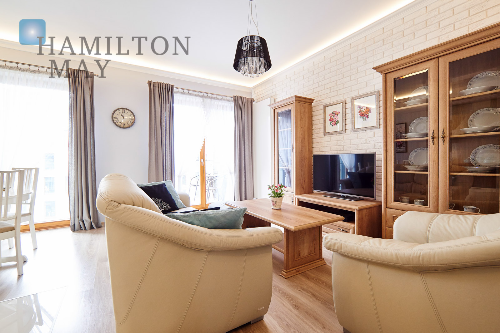 A beautiful and contemporary one bedroom apartment with balcony in the prestigious Novum development Krakow for rent