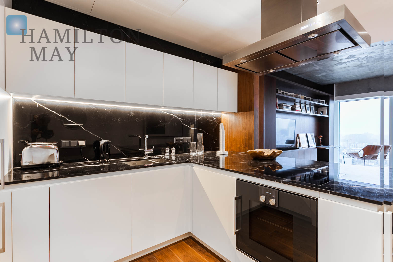 A luxurious apartment with a beautiful view, in the Złota 44 development Warsaw for sale