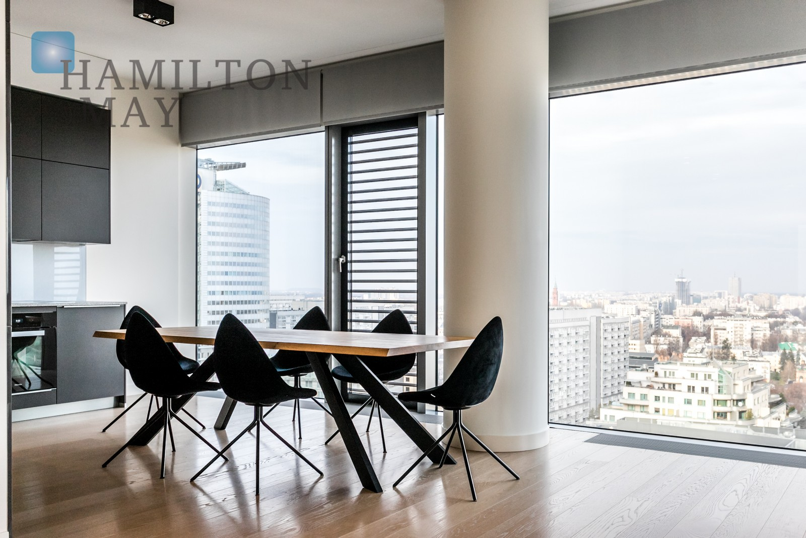 Spacious two bedroom apartment in the modern Cosmopolitan Tower Warsaw for sale