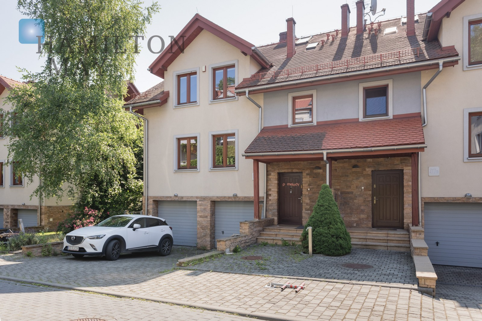 An attractive two level house in Wola Justowska - one of the most prestigious districts of Kraków Krakow for rent