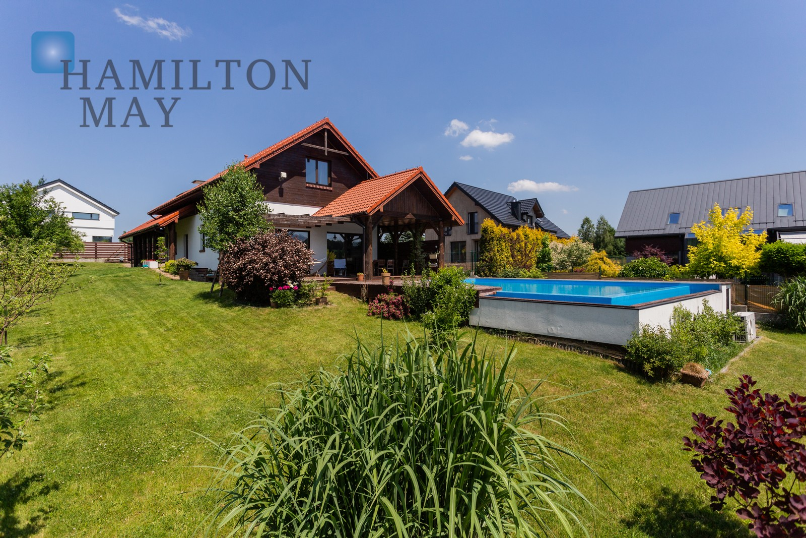 A modern house with a swimming pool in Gaj Krakow for sale