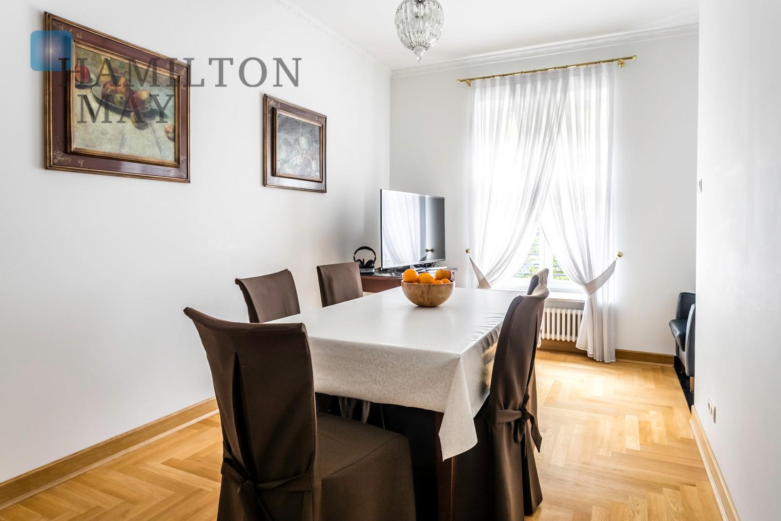 Czteropokojowy apartament w odrestaurowanej kamienicy Restaury Warszawa na wynajem