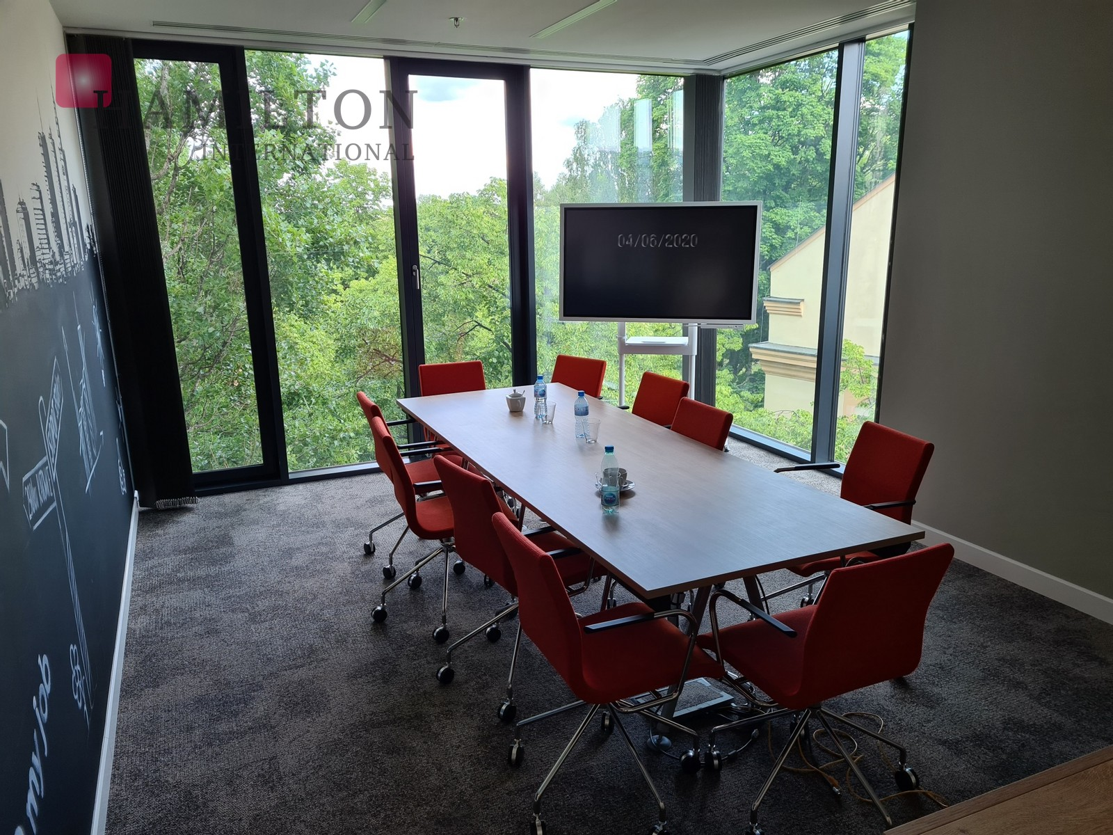 Office space by Plac Trzech Krzyży - available immediately Warsaw office space photo