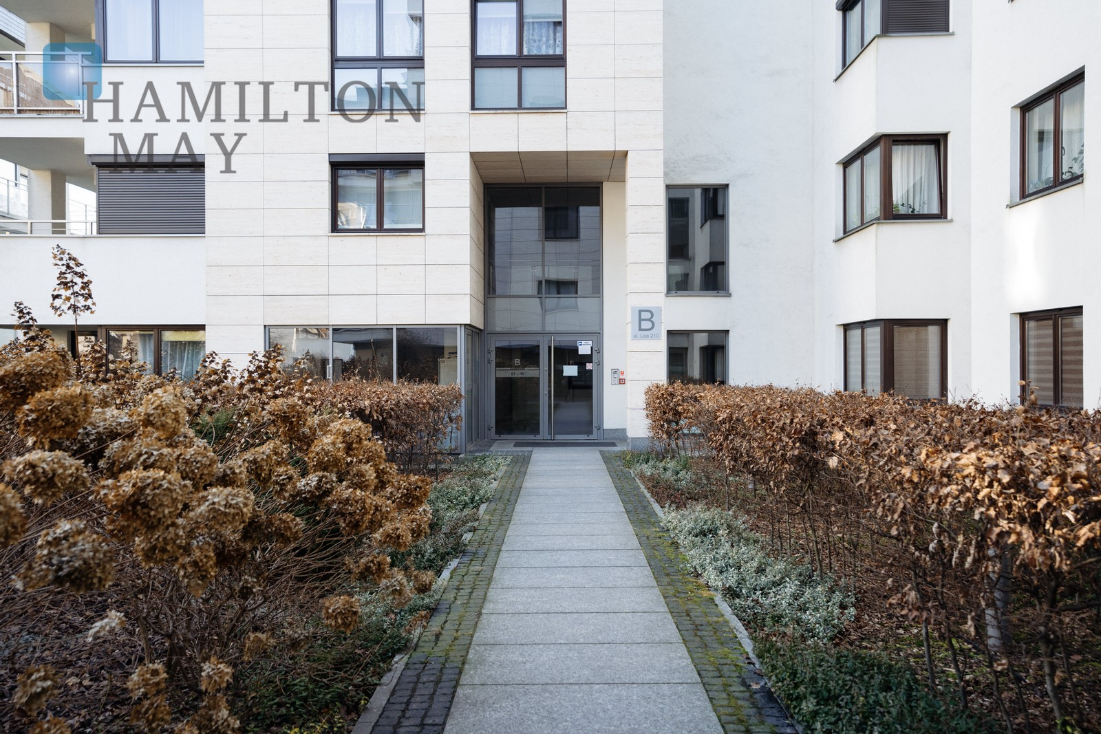 Luxurious apartment with a 30m2 panoramic terrace on the top floor of Lea Residence. Krakow for sale