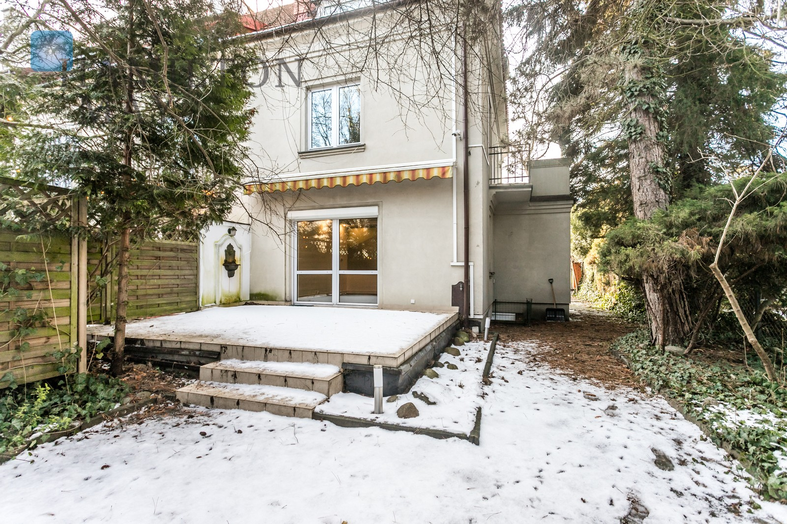 House for rent, in Old Mokotów, partly with residential buildings Warsaw for rent