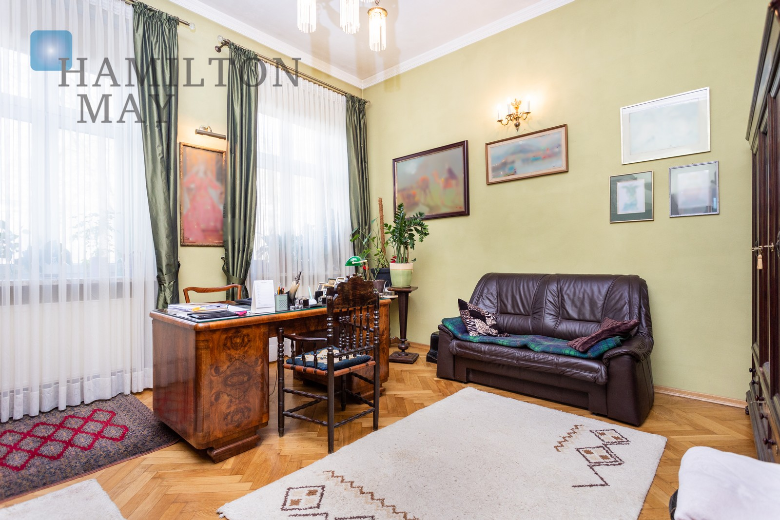 For sale, a stylish and spacious 3 bedroom apartment located in a fully renovated building - Św. Gertrudy Krakow for sale