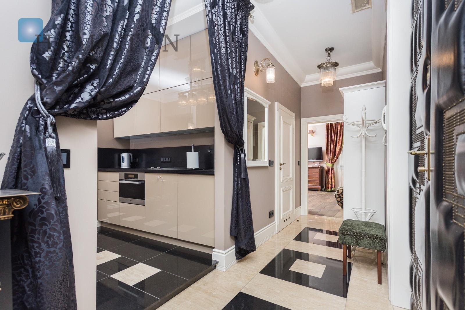 Na wynajem wyjątkowy apartament o powierzchni 88 mkw  z widokiem na Plac Dominikański Kraków na wynajem