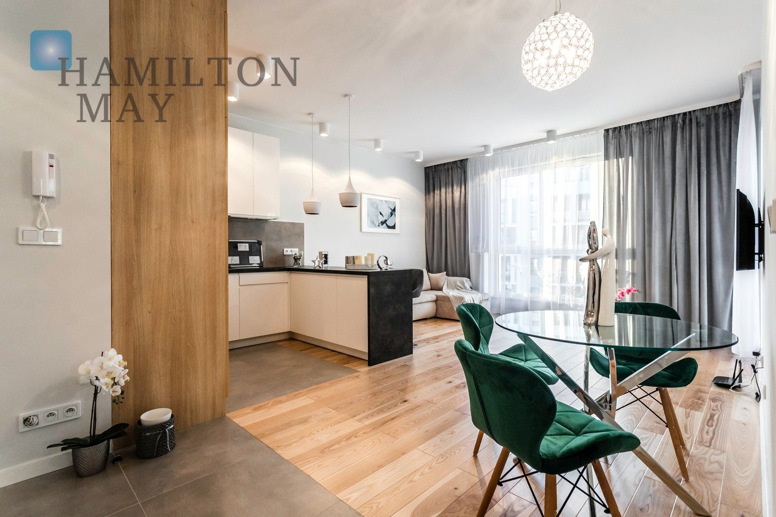 Elegant apartment next to the horse racetrack Warsaw for sale
