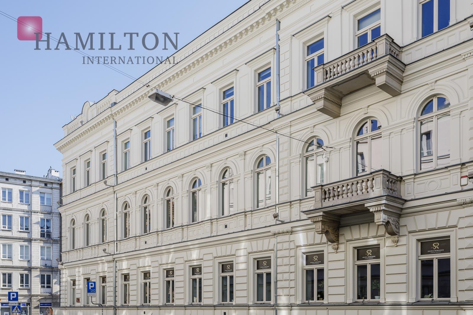 Royal Trakt Offices Warszawa office building photo