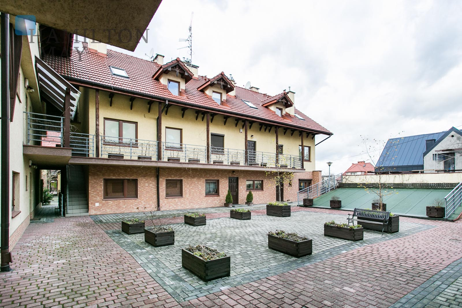 Spacious apartment in quiet part of Krakow, nearby Wolski forest Krakow for sale