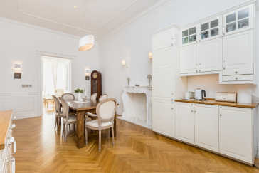 Unique apartment in the very heart of Warsaw Warsaw for sale