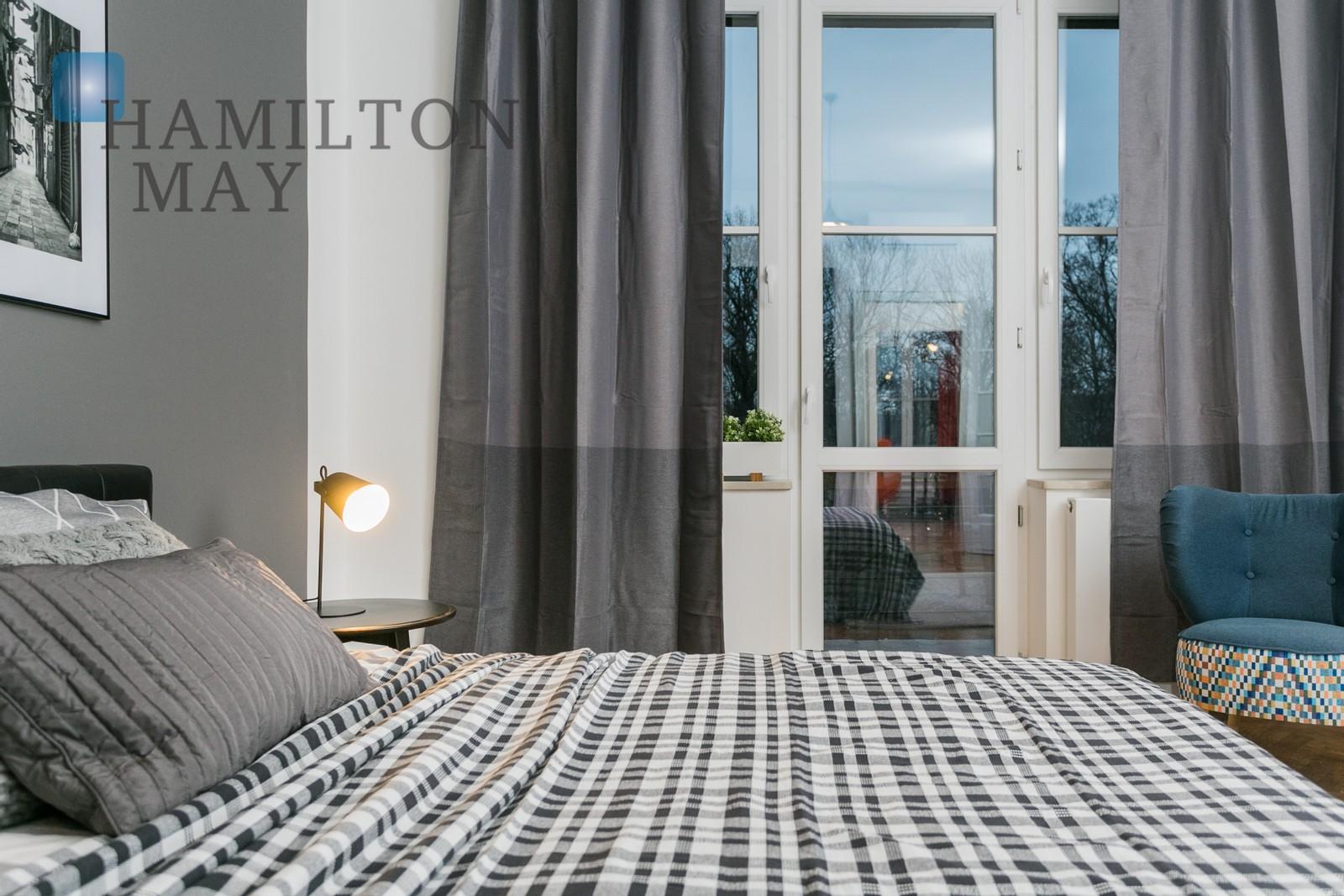 Stylish and modern 2 bedroom apartment with views of the Park Krakowski on Szymanowskiego street Krakow for rent