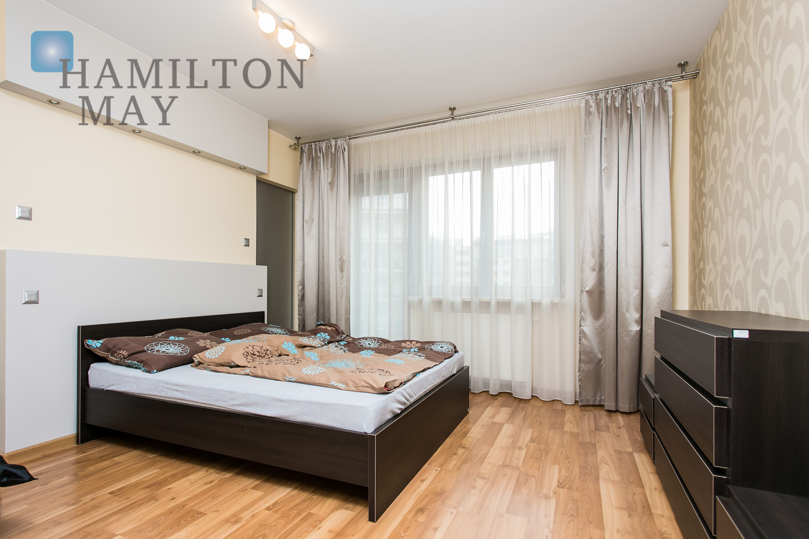 Sprawling 2 bedroom apartment on the Vistula River Krakow for rent