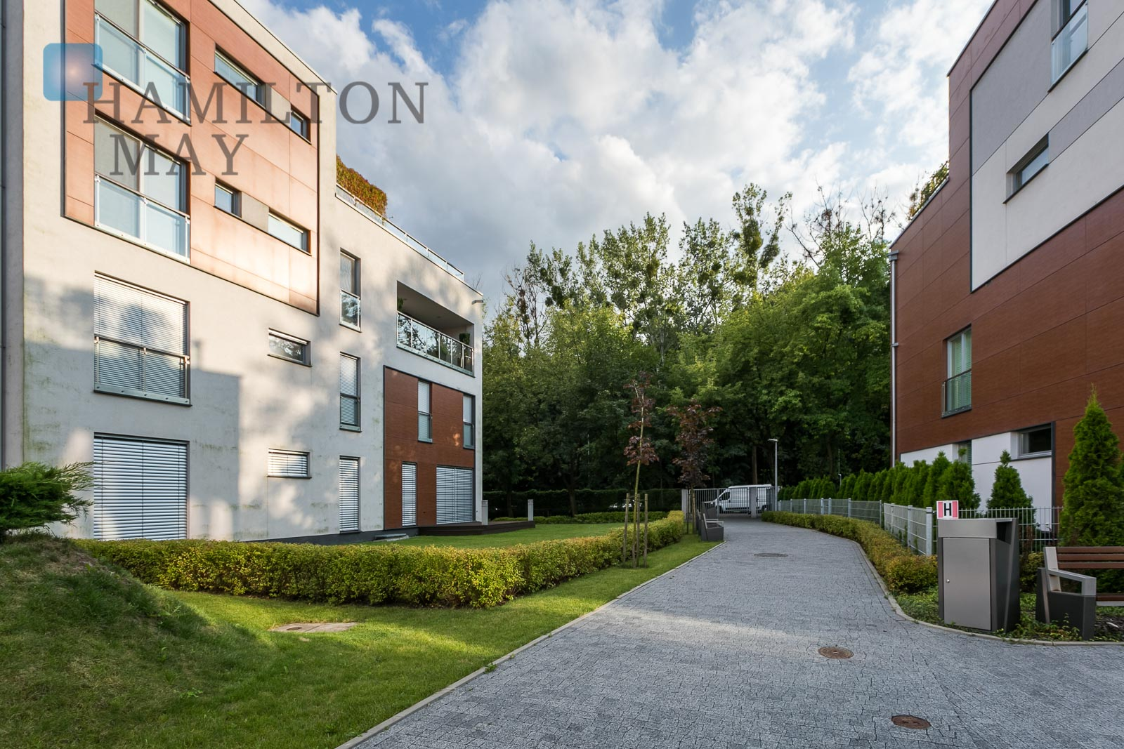 Beautiful, luxuriously finished apartment in a green neighborhood of the Młociński forest Warsaw for sale