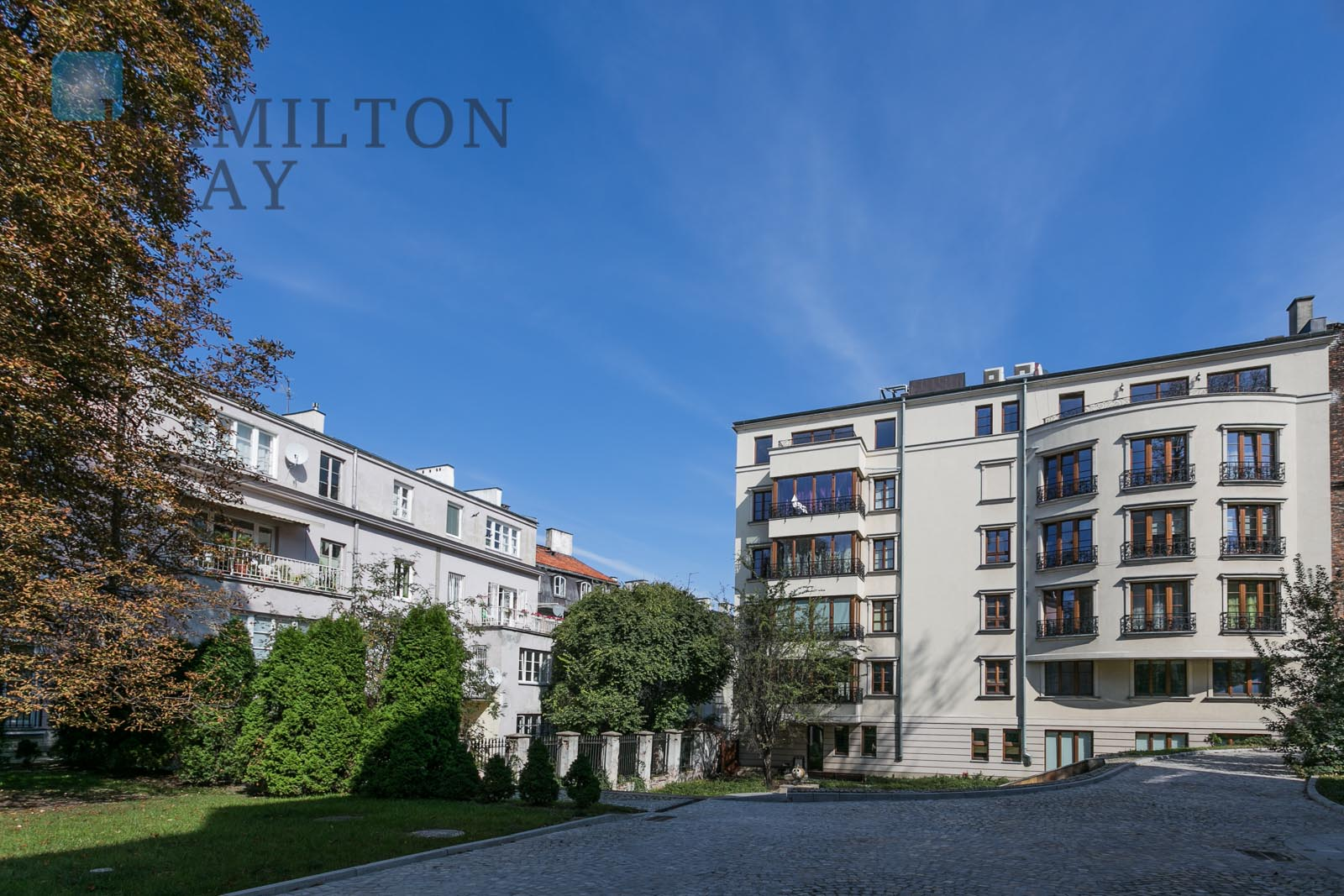 Penthouse with 3 terraces located by the Old Town Warsaw for rent