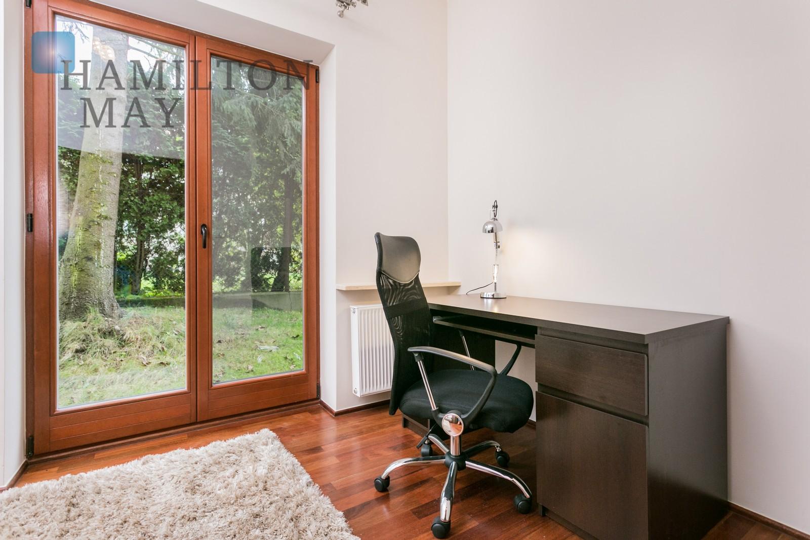 Na wynajem, stylowy i komfortowy apartament z tarasem w sąsiedztwie Parku Decjusza Kraków na wynajem