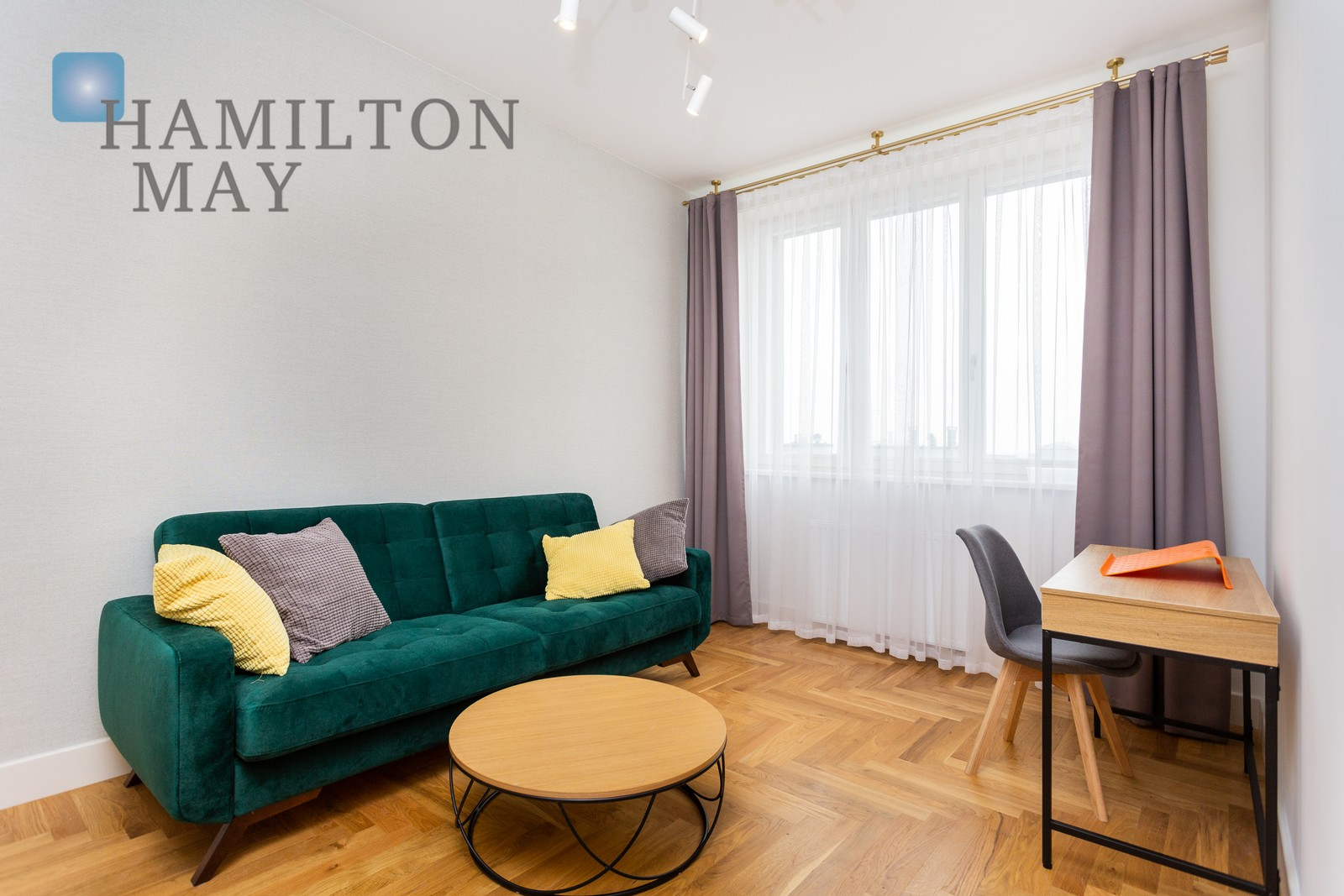 A spacious 2-bedroom apartment with a balcony located in the heart of the Old Town. Krakow for rent
