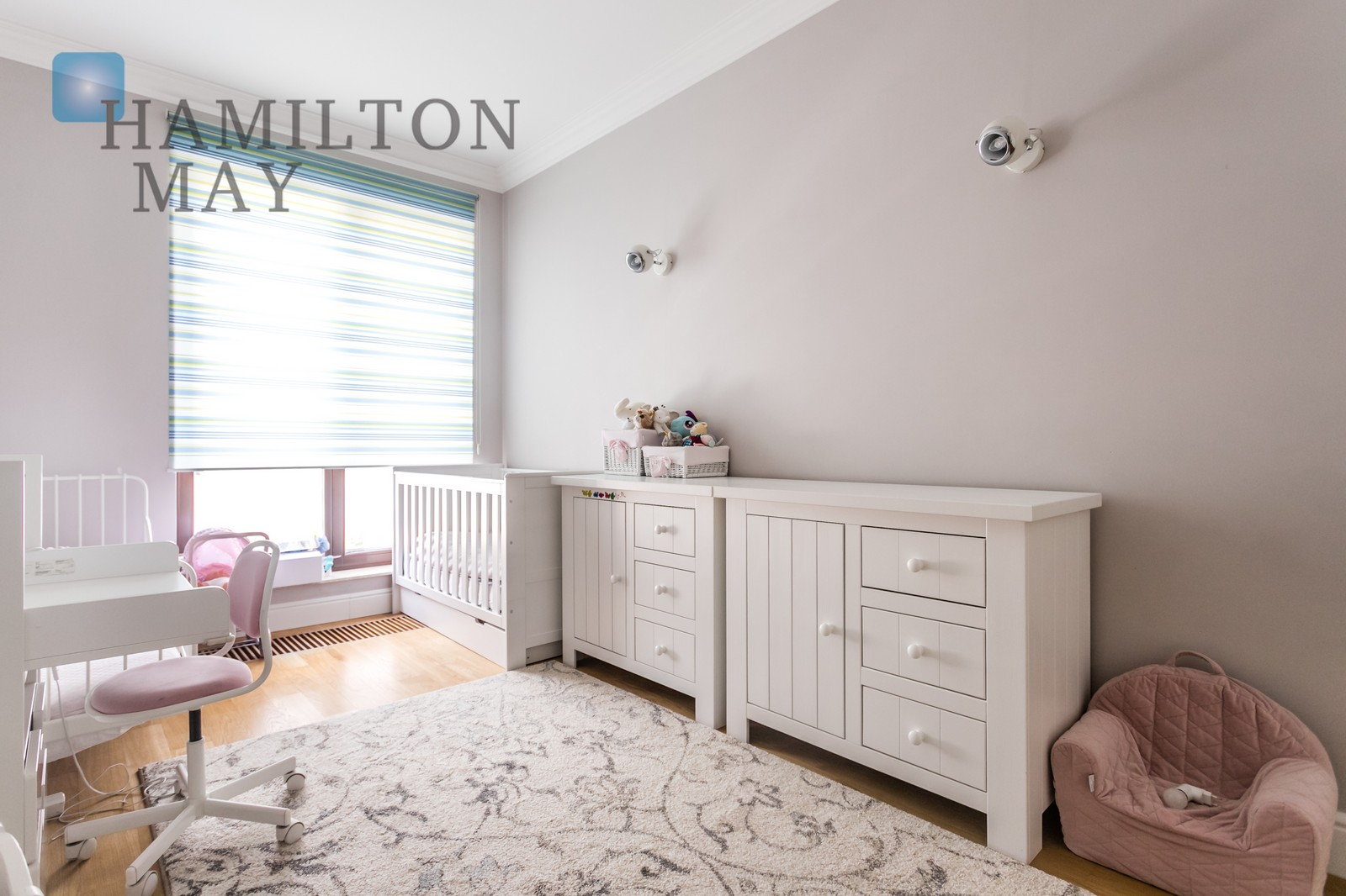 Elegant apartment with two parking spots in Mokotów Warsaw for rent