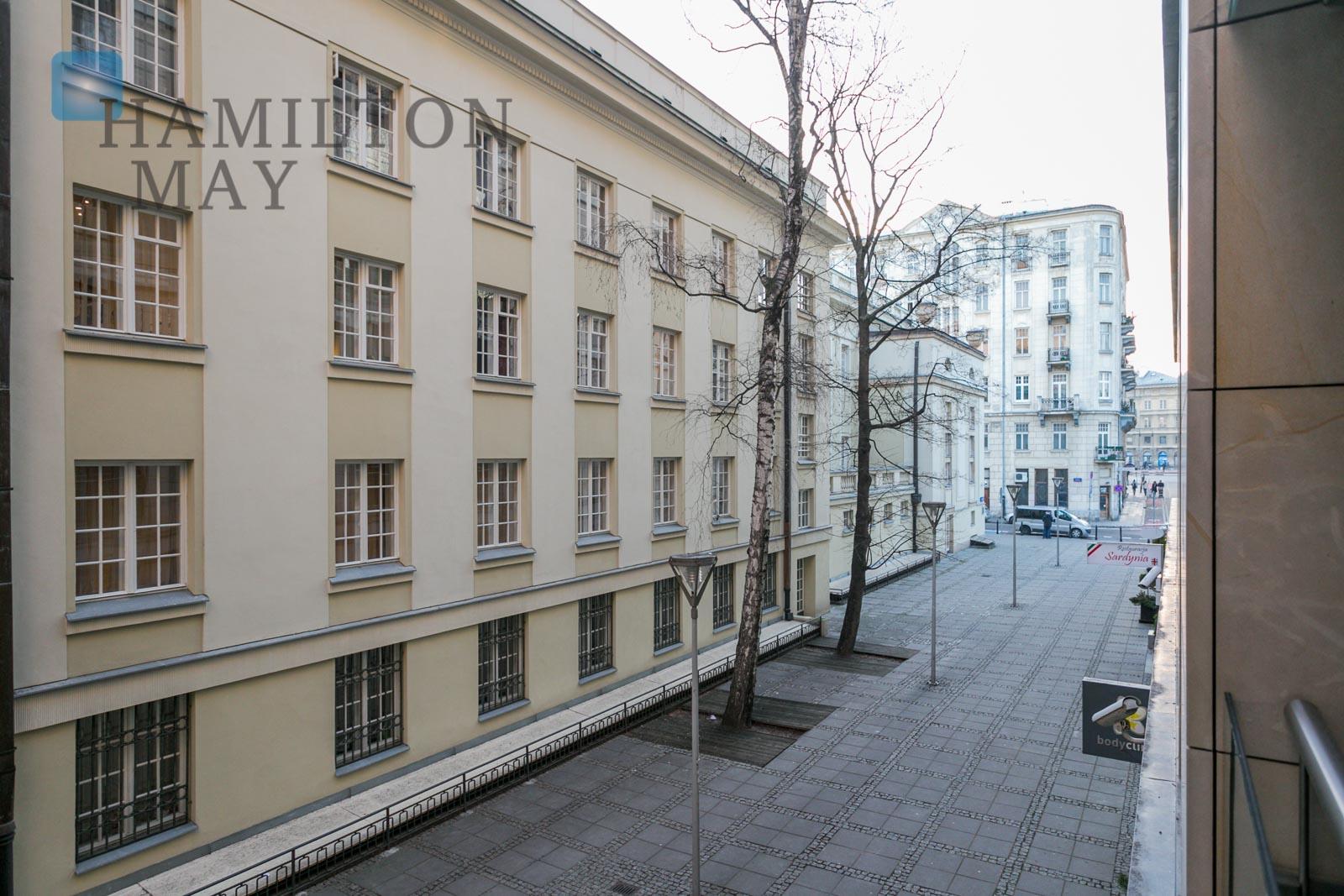 Spacious apartment located just a stroll away from Krakowskie Przedmieście Warsaw for sale