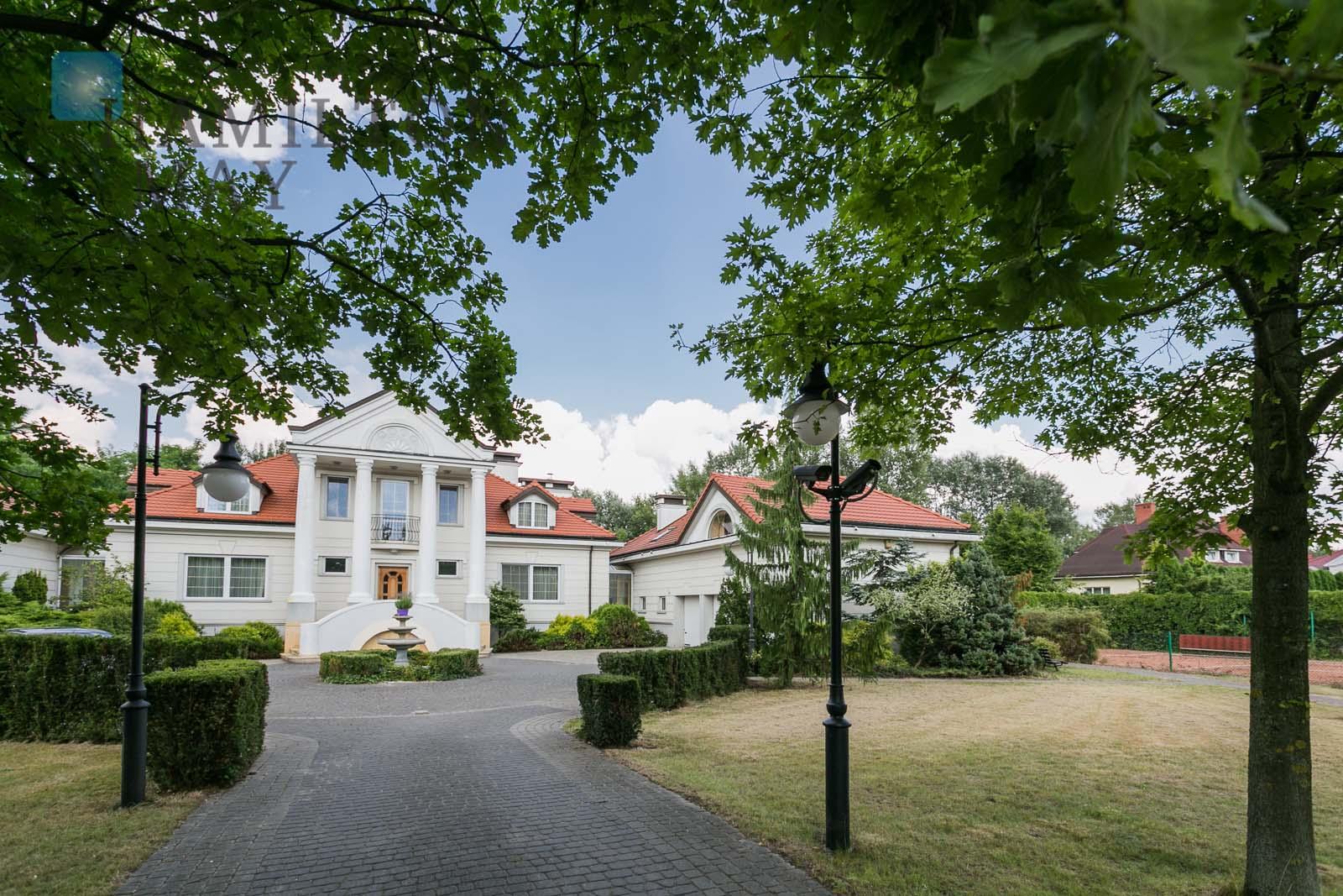 A representative house in Konstancin-Jeziorna Warsaw for sale