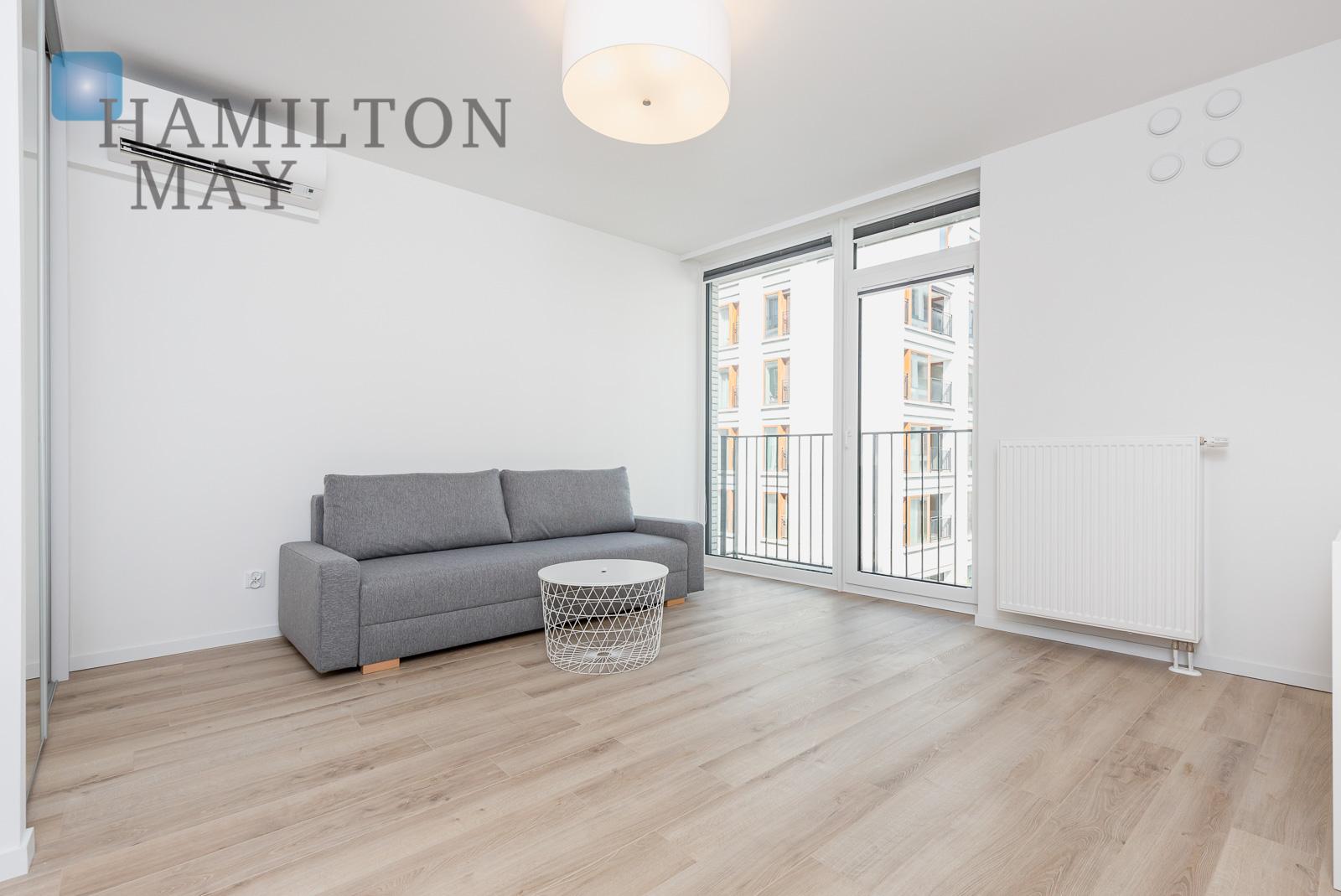 A stylish studio apartment in the prestigious Browary Warszawskie investment  Warsaw for rent