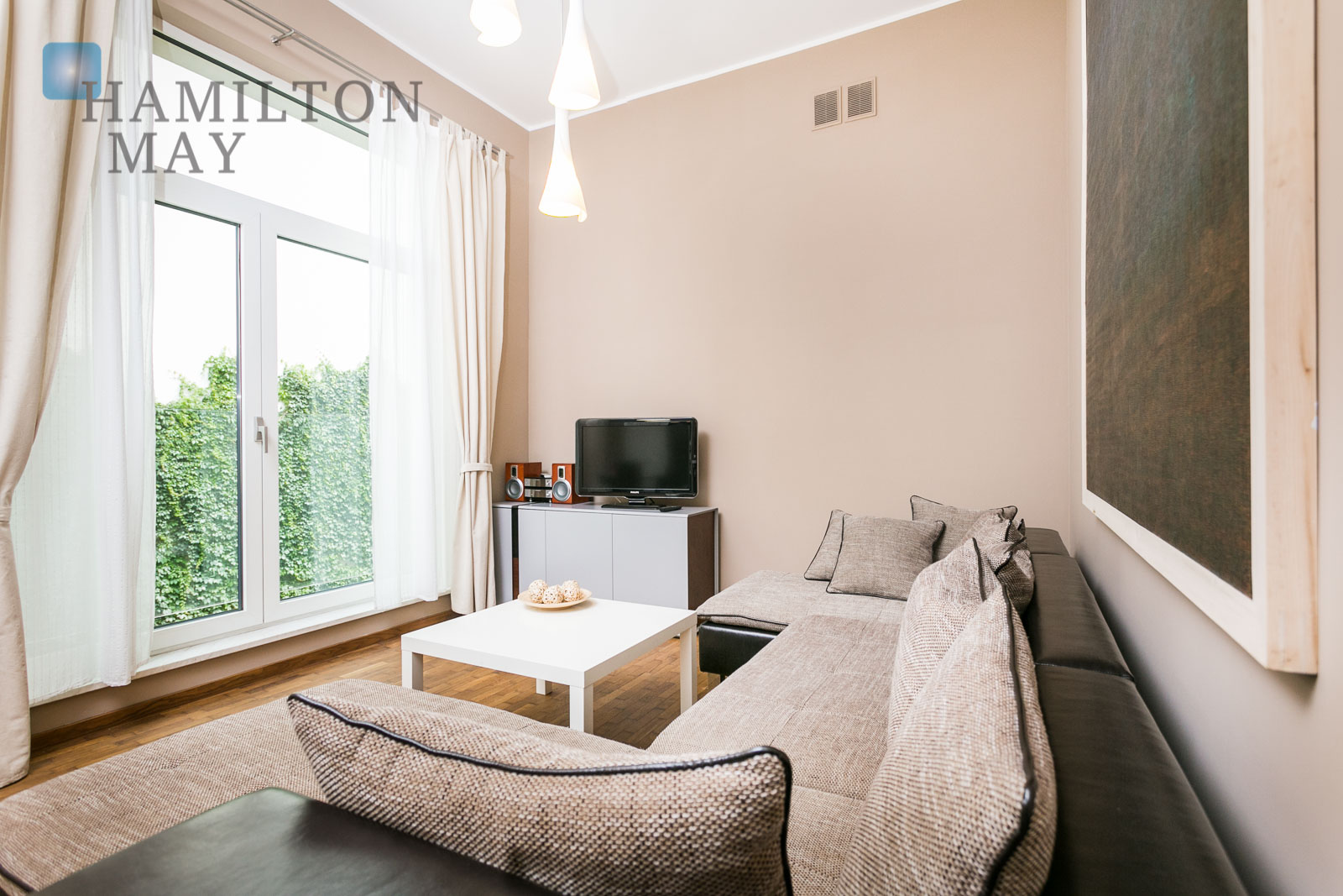 The luxuriously equipped, air-conditioned apartment in a modern building in the city center Krakow for rent