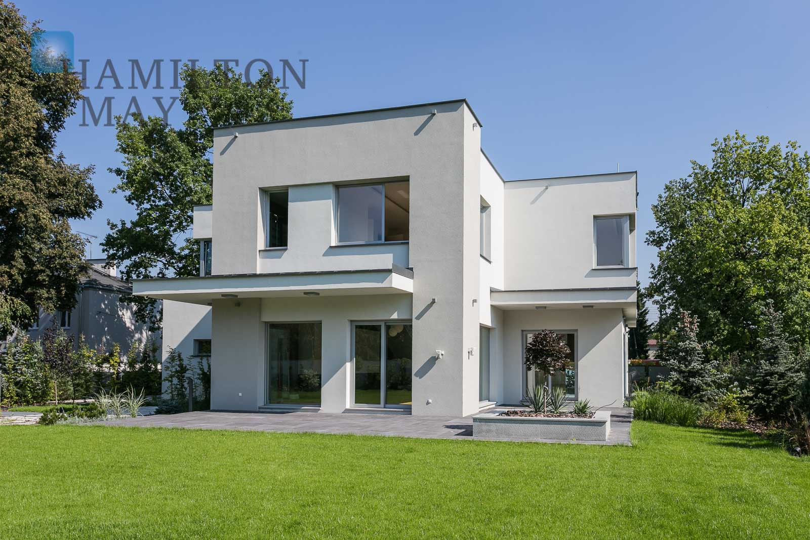 A luxurious residence in Konstancin Warsaw for rent