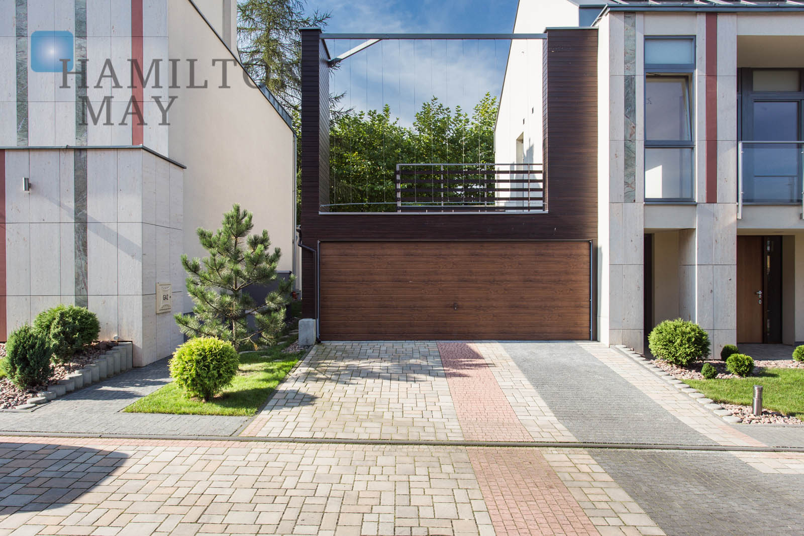 A luxurious two-level apartment with a Japanese garden in Wola Justowska Krakow for sale