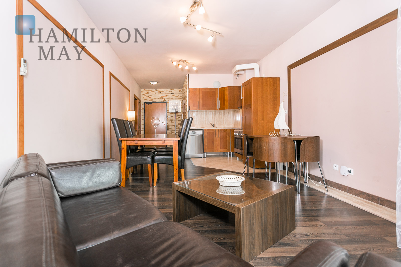 A one bedroom apartment with pool access available for - One bedroom apartment for rent hamilton ...