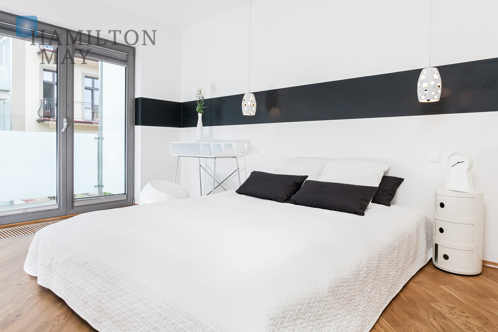 Exclusive 'Tokyo' apartment in a modern, discreet townhouse in the Kazimierz district Krakow for sale