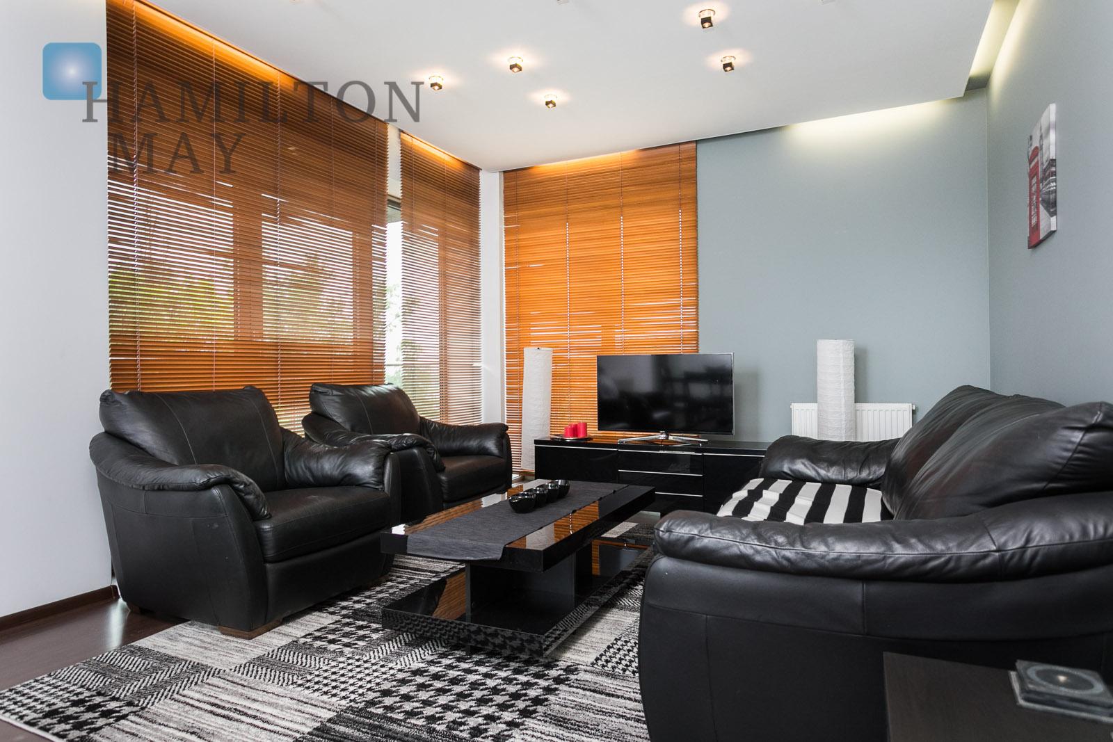 Przestronne, wygodne mieszkanie z balkonami wychodzącymi na Wisłę zlokalizowane w inwestycji Wiślane Tarasy Kraków na sprzedaż