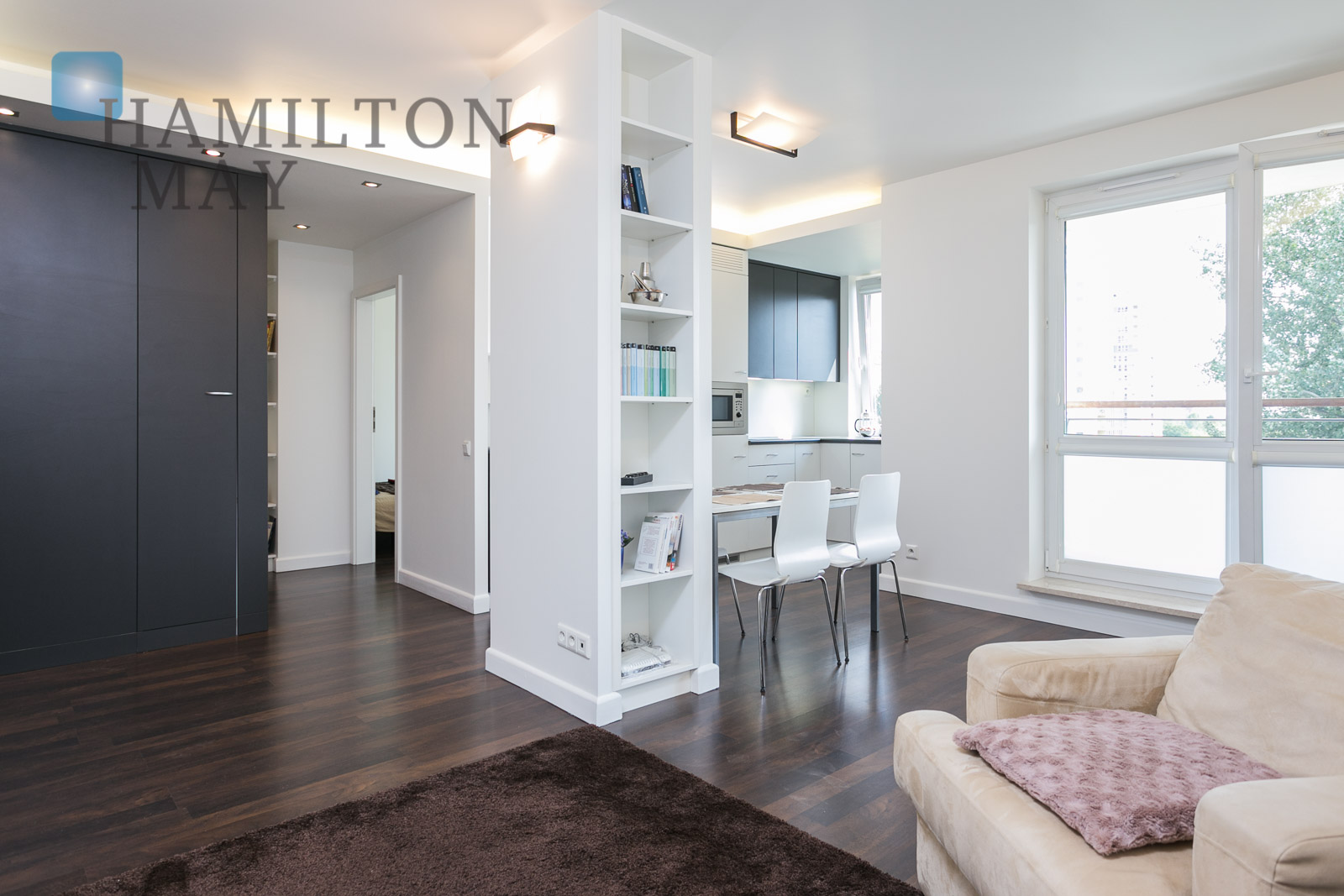 Comfortable one bedroom apartment on bukowi ska street - One bedroom apartment for rent hamilton ...