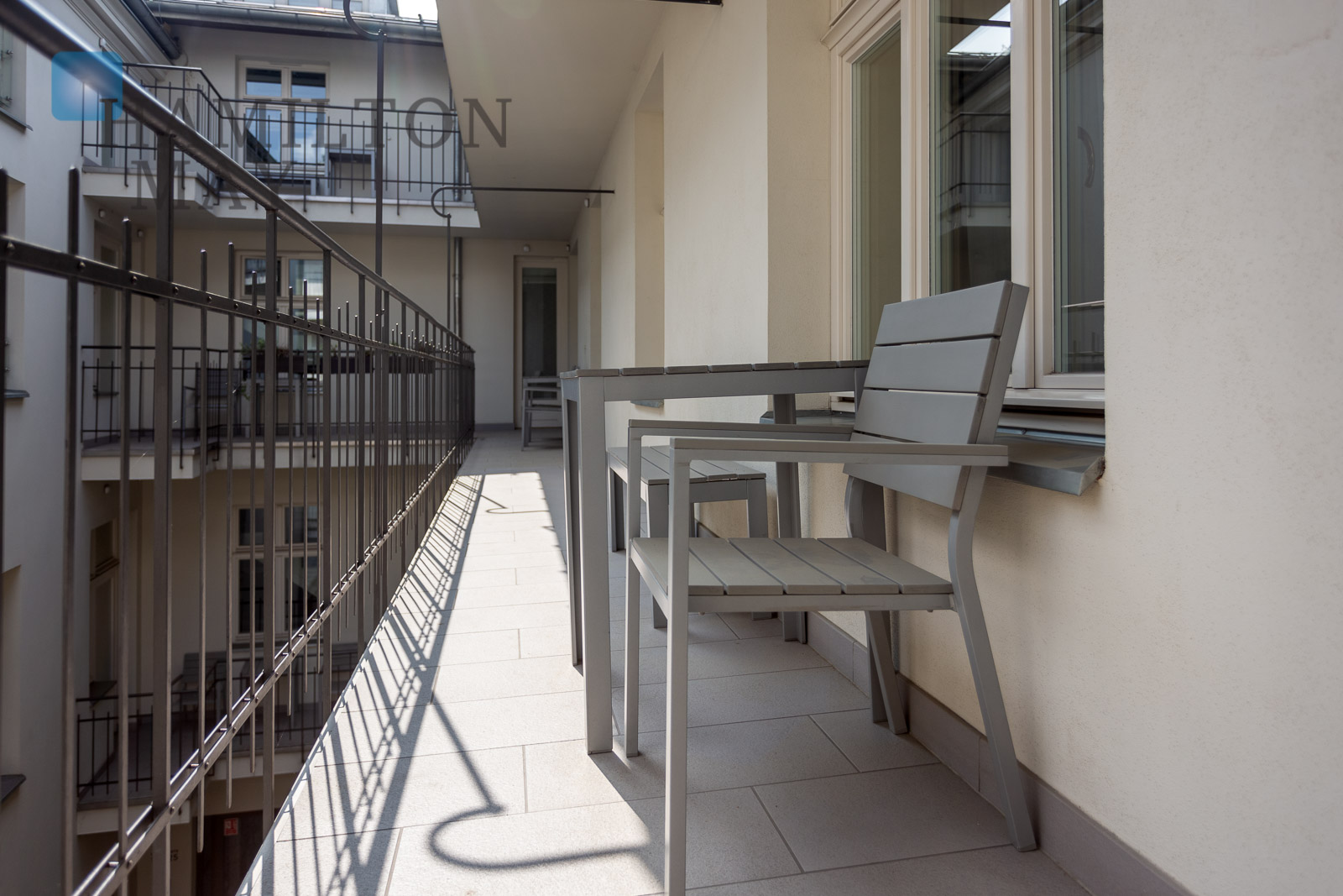 Air-conditioned apartment with two bedrooms and a balcony in the vicinity of the Wawel Castle Krakow for rent