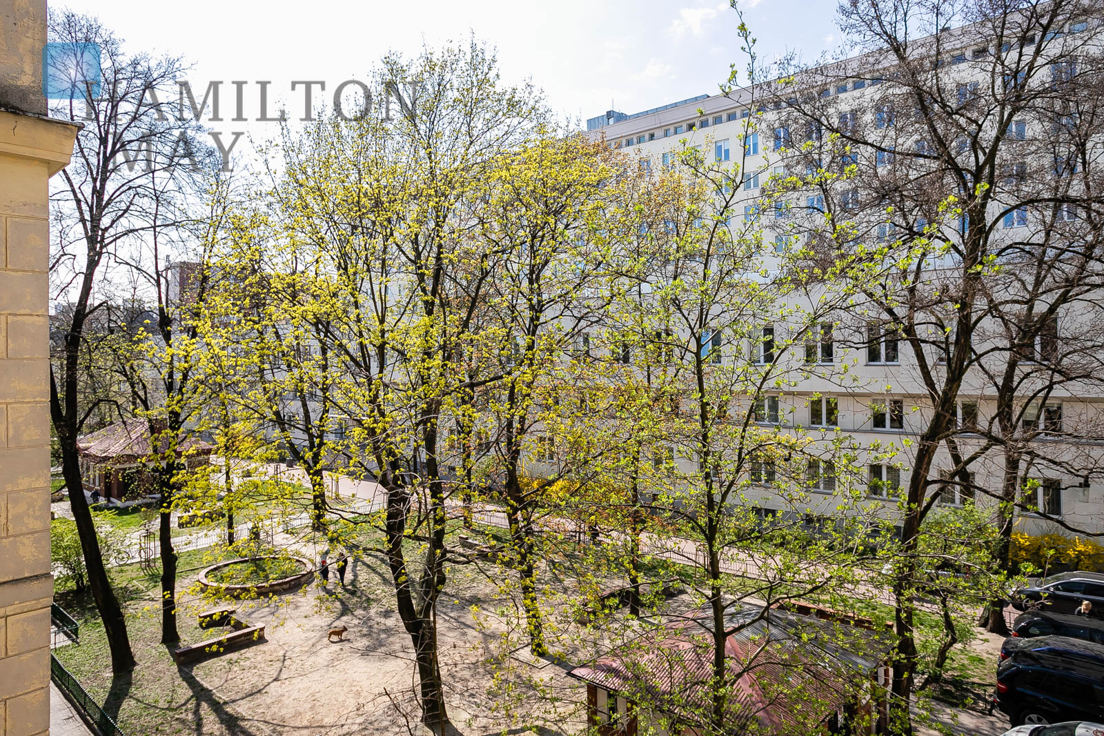 A spectacular two bedroom apartment available for rent nearby the Nowy Świat-Uniwersytet metro station Warsaw for rent