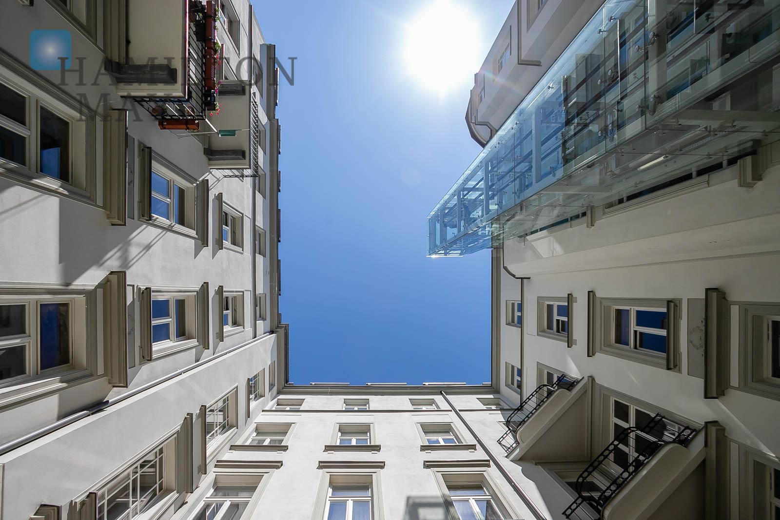 Unique apartment in a prewar townhouse Warsaw for sale