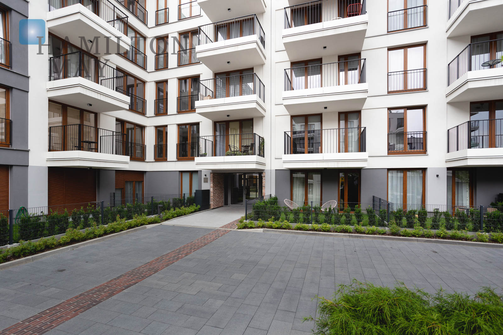 "For rent a 2-bedroom apartment with balcony and garage in ""GO"" Apartments Krakow for rent"