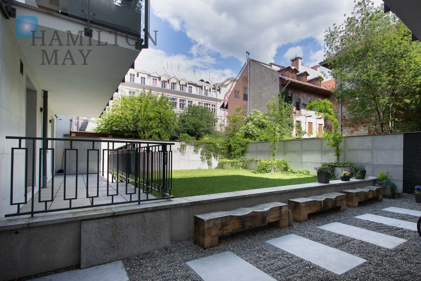 Luxurious 3 bedroom apartment with a nice view in the prestigious Augustiańska Residence investment Krakow for rent
