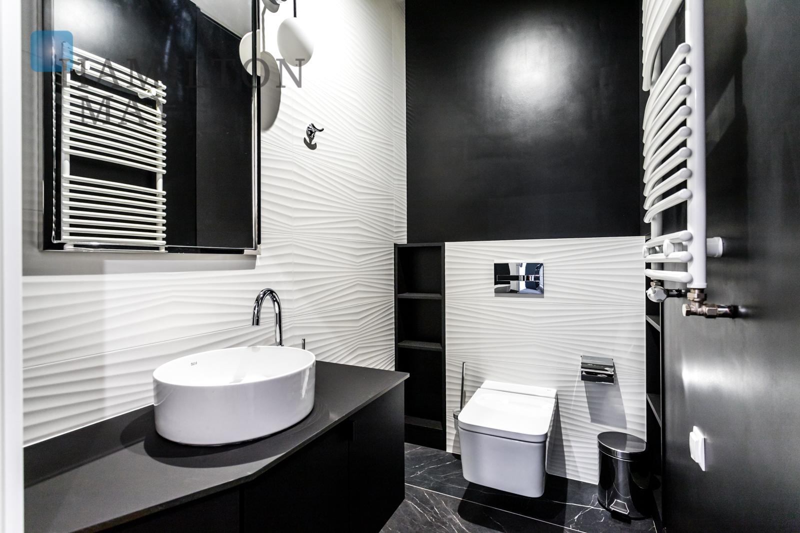 Luxurious one bedroom apartment in Śródmieście Warsaw for rent