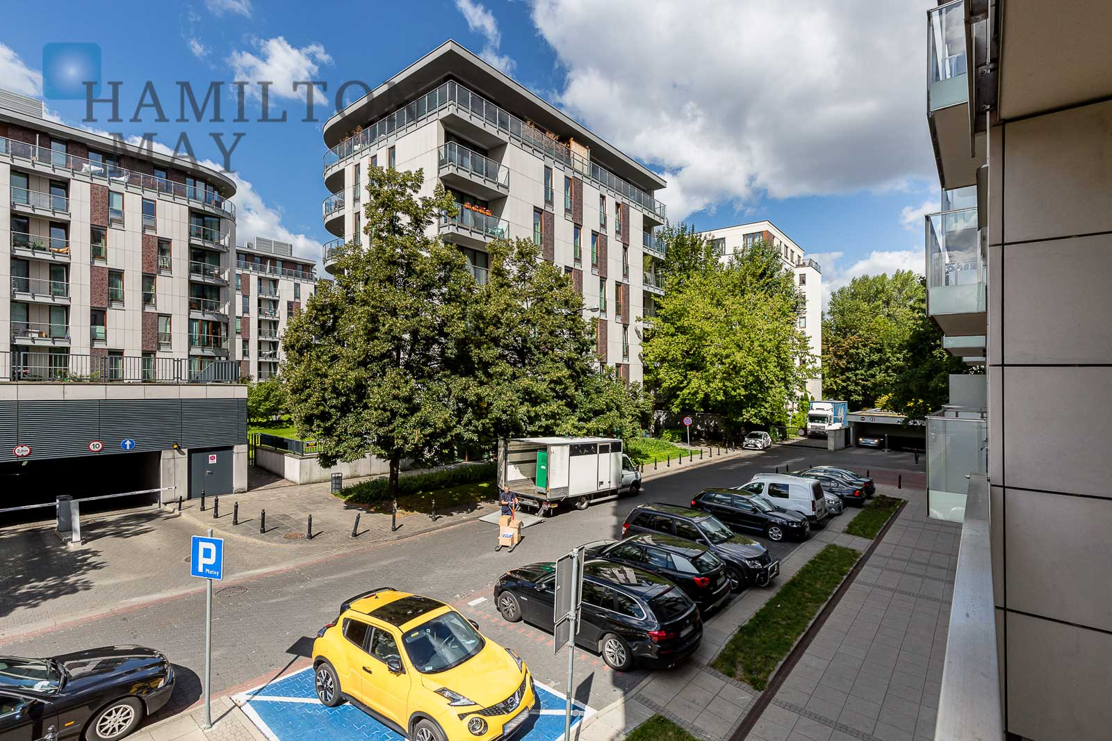 An elegant apartment with a terrace Warsaw for rent