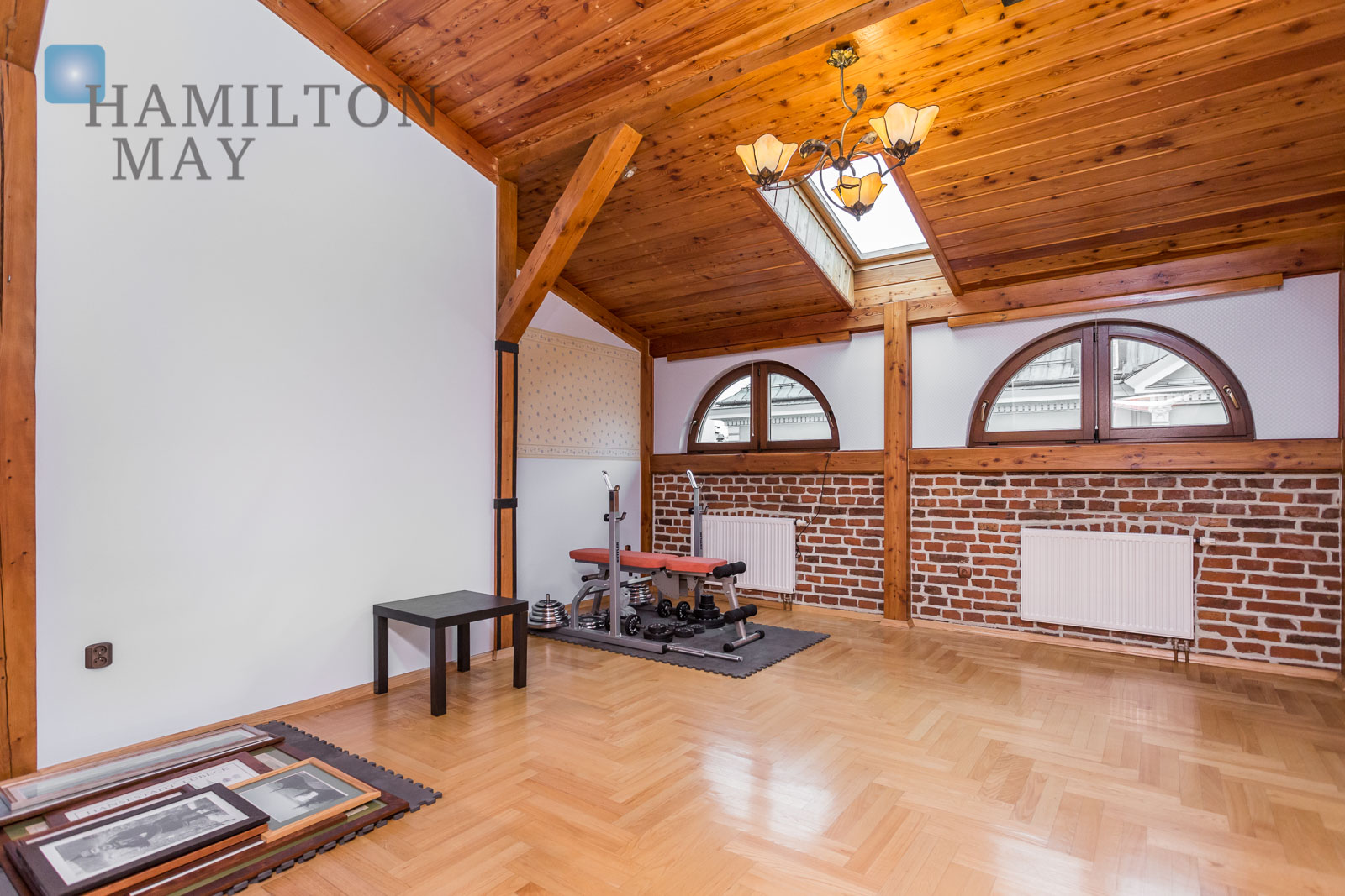 A spacious apartment in the Old Town, in a cozy family tenement house Krakow for rent