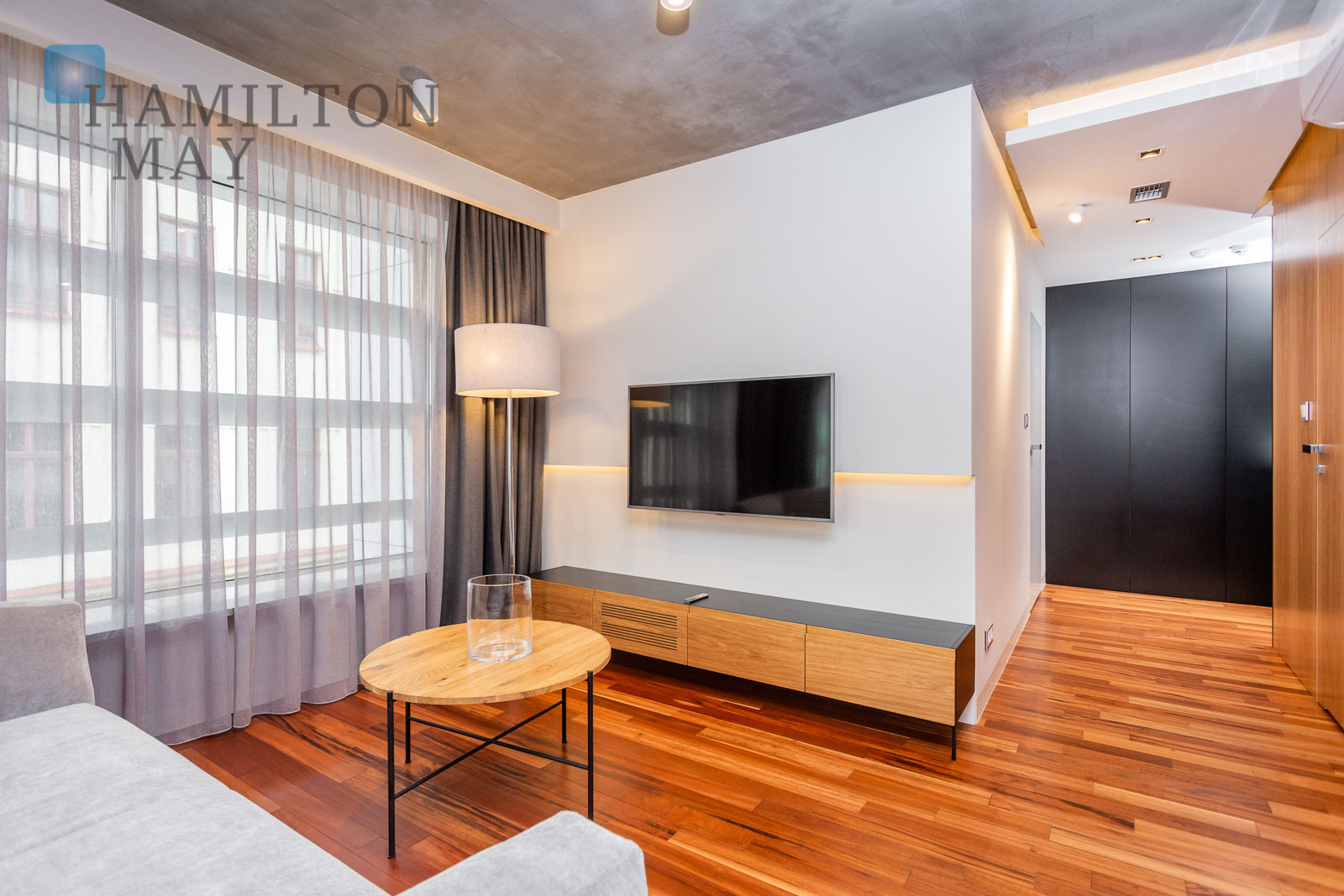 Luxurious and spacious one bedroom apartment in a modern investment in Podgórze Park Hill Krakow for rent