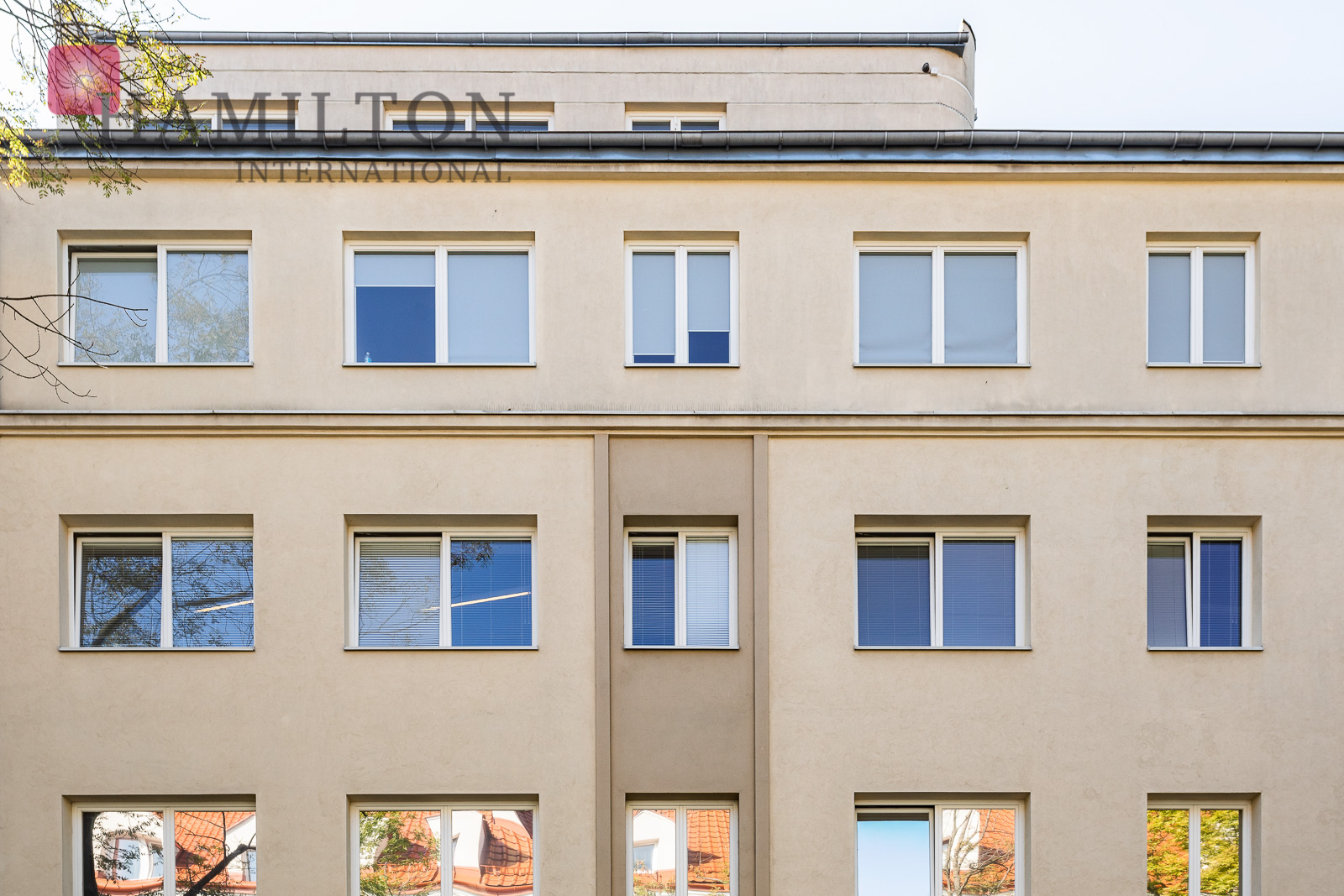 Biuro w kameralnym budynku na Mokotowie  Warszawa office space photo