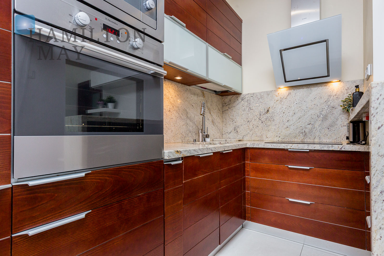 Luxurious one bedroom apartment in the Piękna Nova development Warsaw for rent