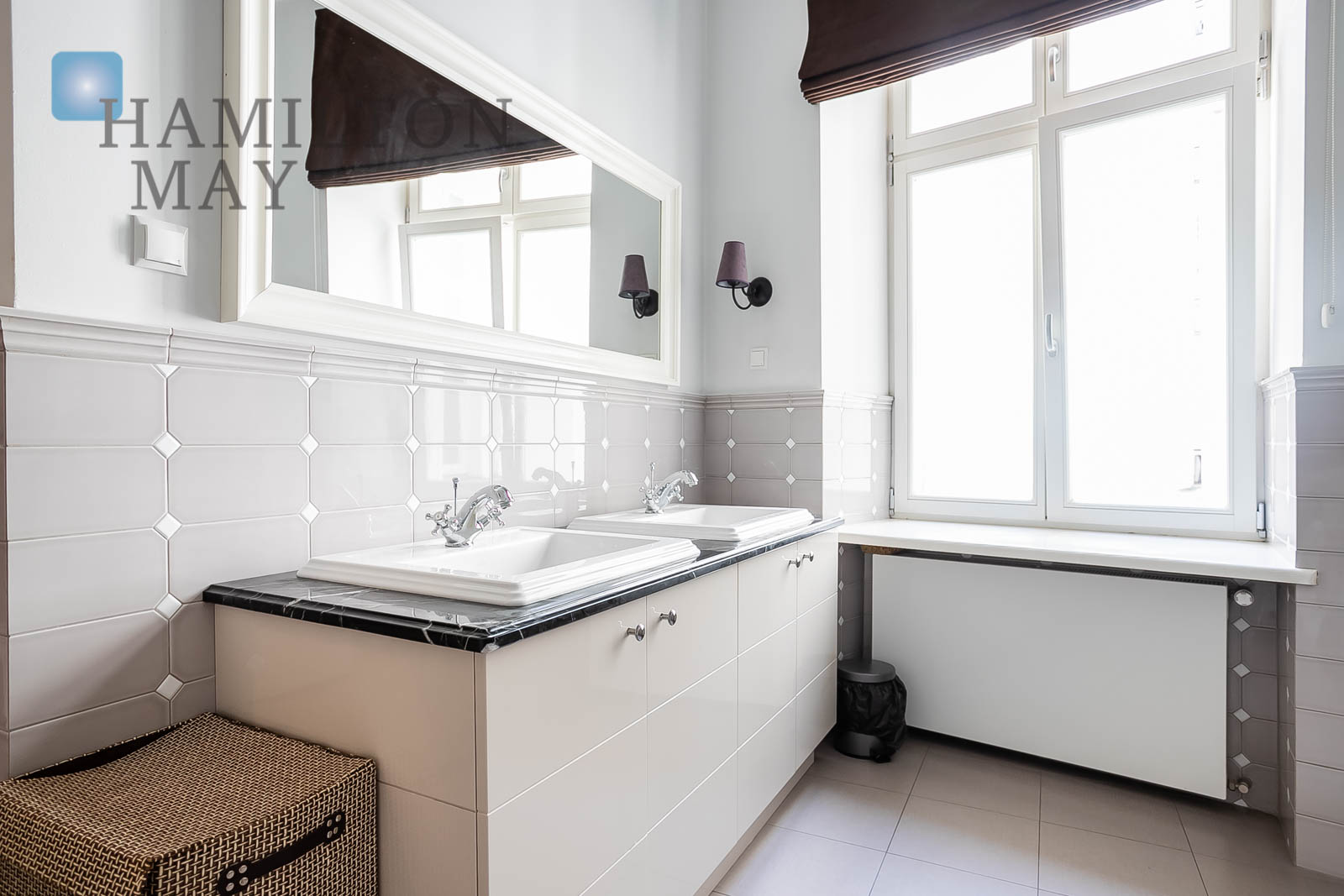 A one bedroom apartment in the Kamienica Ordynacka development Warsaw for rent