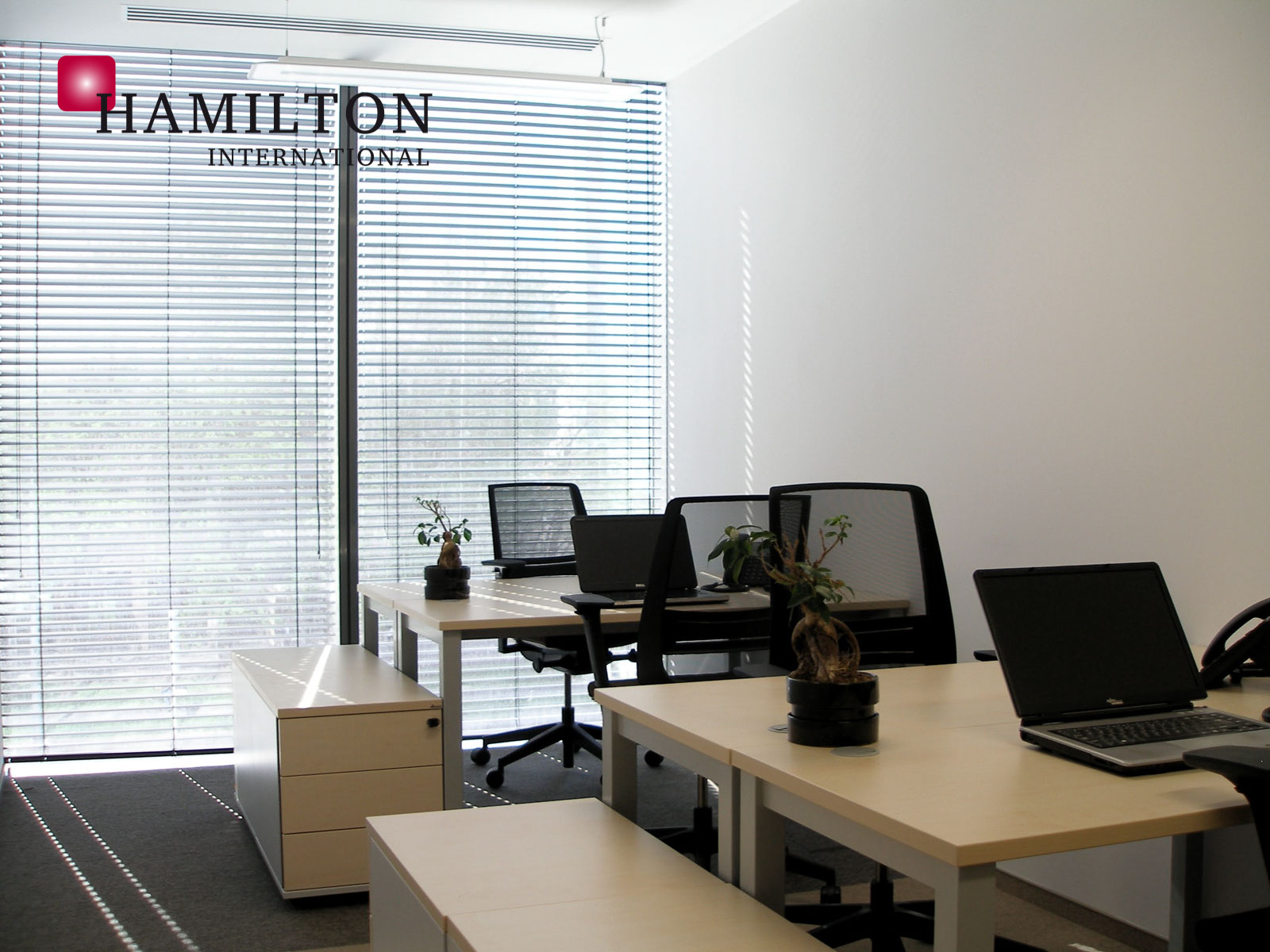 Omni Office Q22 Warszawa serviced office building photo