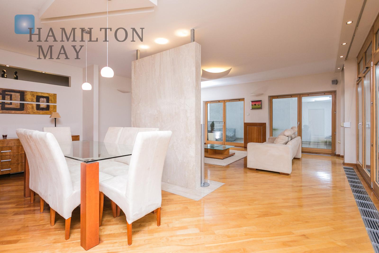 luxurious three bedroom apartment in eko park development. Black Bedroom Furniture Sets. Home Design Ideas