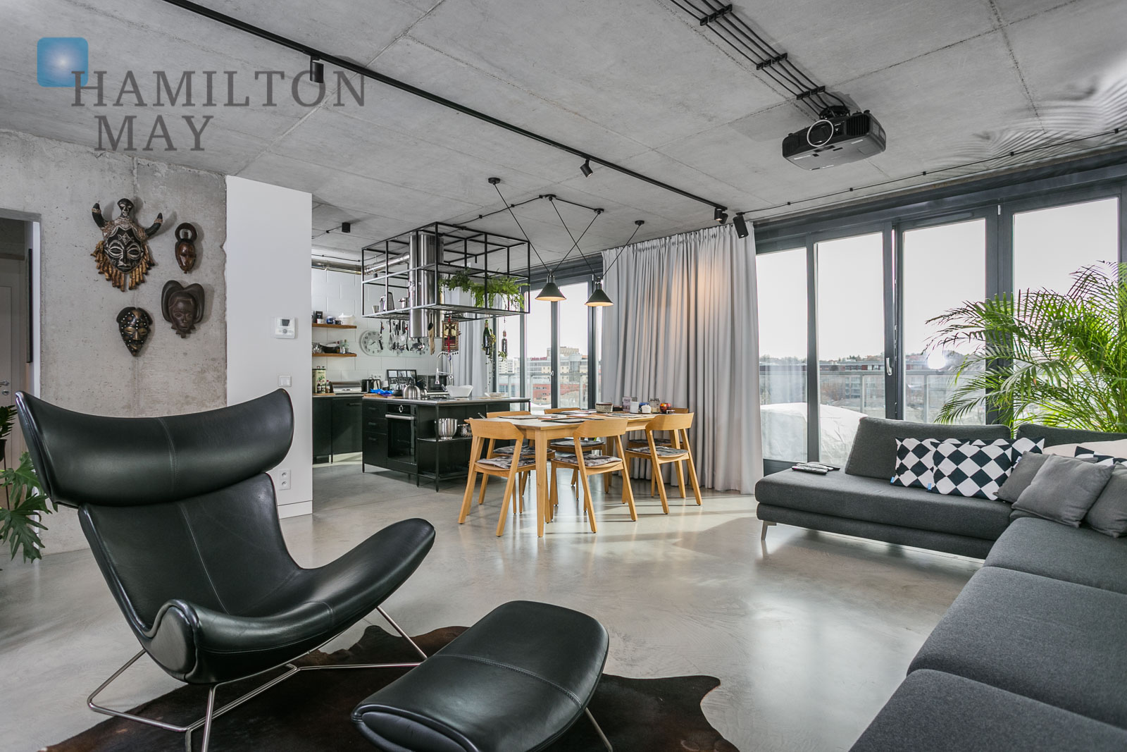A luxurious penthouse with a beautiful view of the Vistula River at ul. St. Wawrzynca 21 Krakow for sale