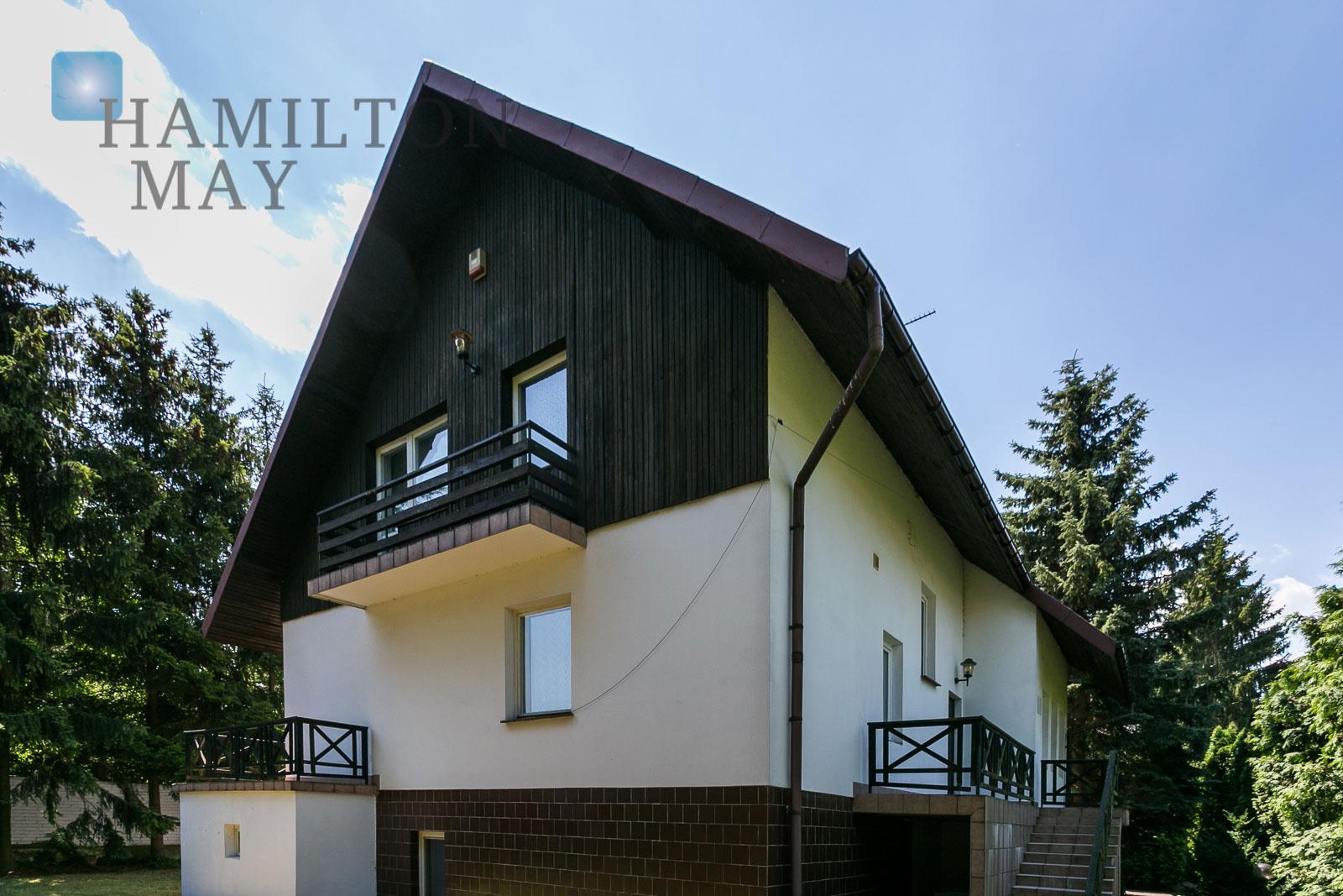 Wolnostojący dom w Konstancinie-Jeziorna z potencjałem Warszawa na sprzedaż